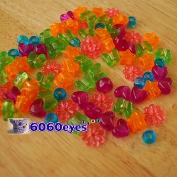 Beads: 8oz (226.8g) Bag of Plastic Craft Beads